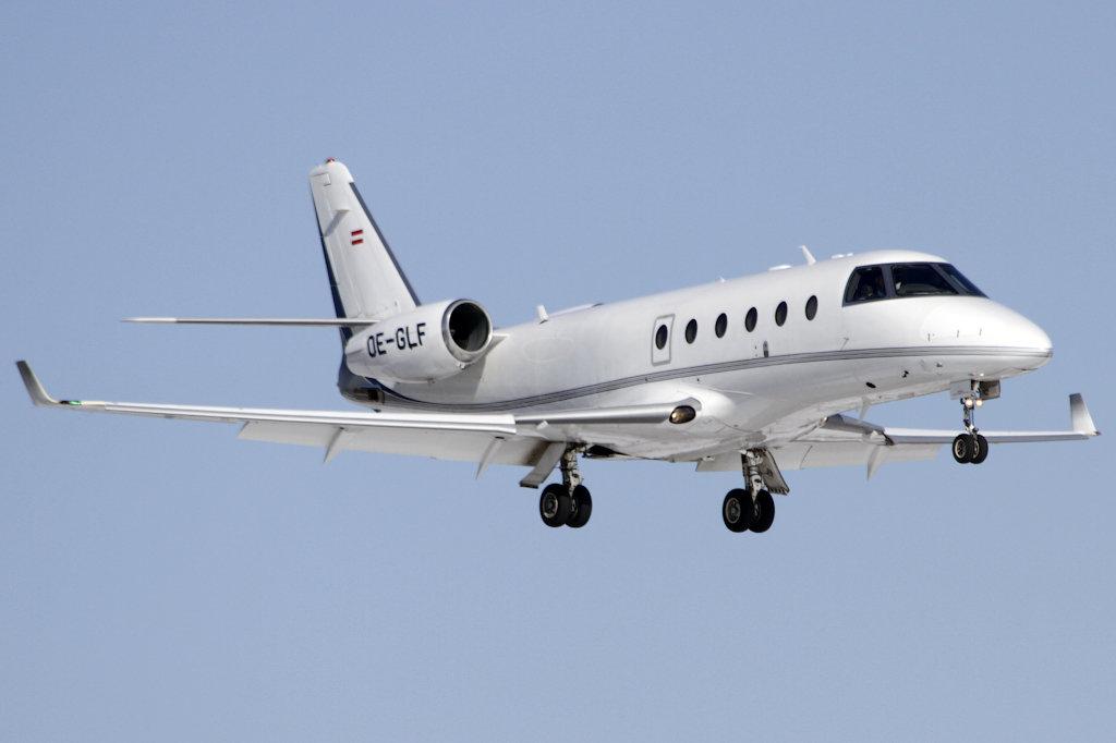 Gulfstream+aerospace+G-150+OE-GLF.jpg