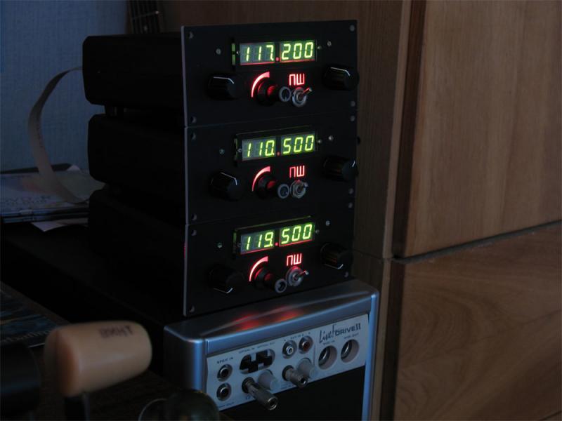 Bird.  0. Дело продвигается.  Для теста шины взяли 3 баклана, подключили как СОМ, НАВ-1(ИЛС), и НАВ-2(ДМЕ).