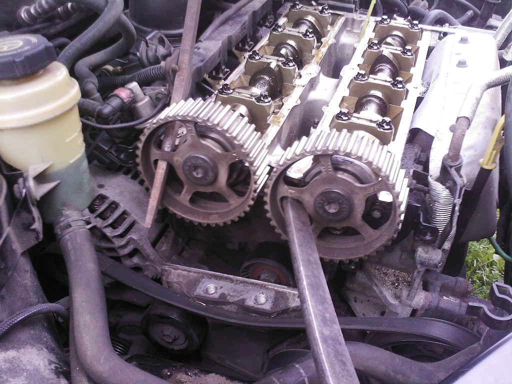 ford focus 2,0 1 замена грм