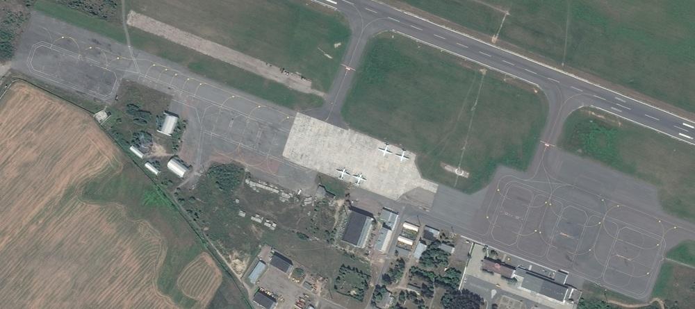 Gomel_airport_peron.jpg