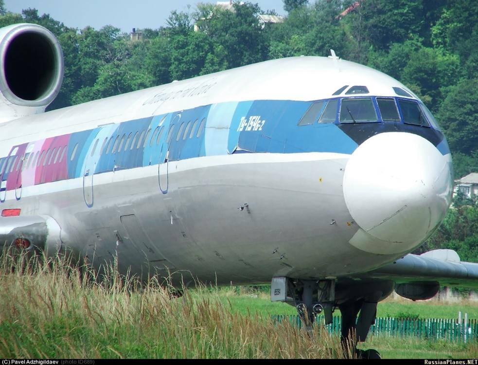 Ту-154б-2_(RA-85384)_В_июле_2007.jpg