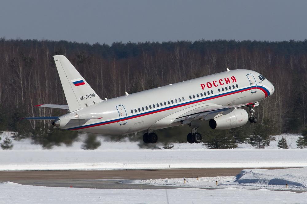 Сухой Суперджет 100  SSJ 100-95B RA-89040.jpg