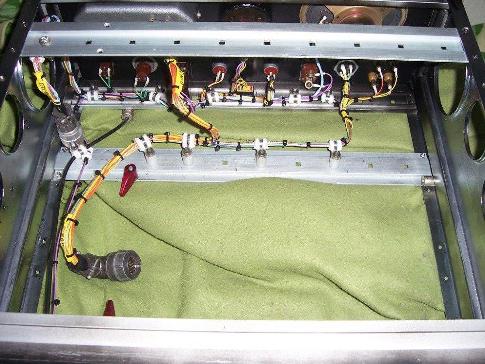 blok radiostanice Pero - šasi a kabely pro RDST moje výroba.jpeg