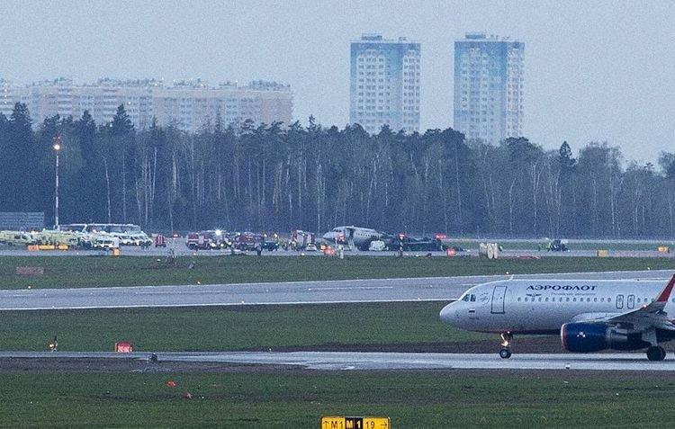aeroflot_su95_ra-89098_moscow_190505_3.jpg