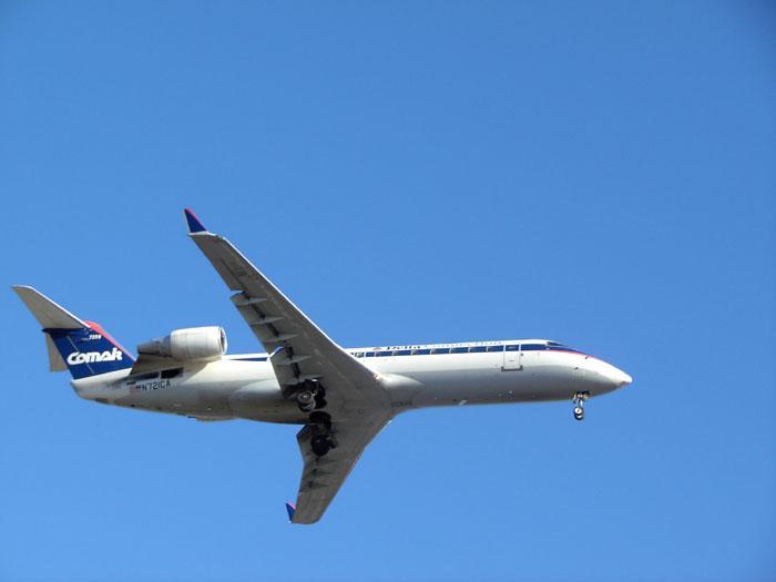 CRJ_200.jpg