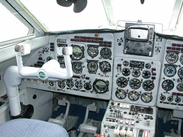 Yak40_003.jpg