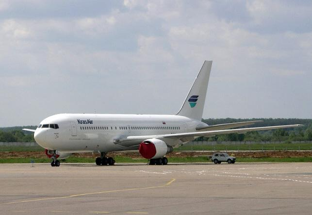 Boeing_767_200_Kras_Air.jpg